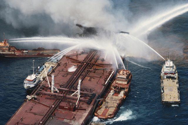 požár tankeru (ilustrační foto)