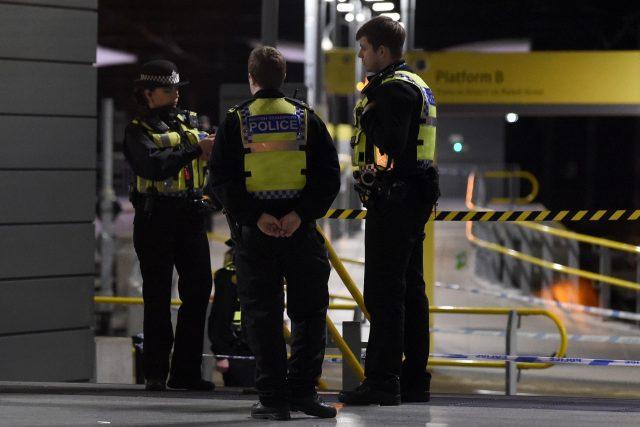 Policie útočníka zadržela, stanice Manchester Victoria je uzavřená