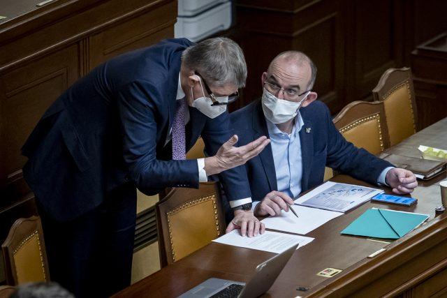 Premiér Andrej Babiš (ANO) a ministr zdravotnictví Jan Blatný (za ANO)