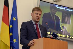 ČSSD nominuje do funkce ministra zahraničí náměstka Tomáše Petříčka.